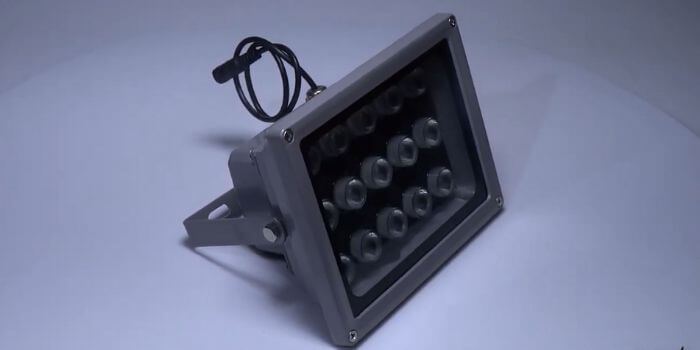 Does the visible light affect IR floodlight performance